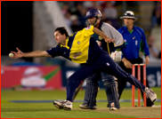 Ben Edmondson fields off Joe Denly, Twenty20 Final, 2007