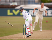 David Wainwright is bowled by Will Gidman, 2012