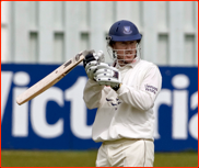 Murray Goodwin has a bat problem v Warwickshire