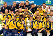Durham celebrate winning the 2007 FPT Final at Lord's
