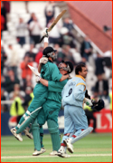 Roger Twose lifts Adam Parore after beating India.
